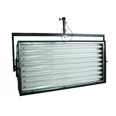 (Photo - Reference only - Includes built-in Reflector, removable Gel Frame and Silver Louver)