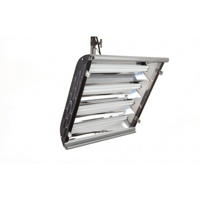 (Photo - Reference only - Includes built-in Parabolic Reflector, removable Gel Frame and 90° Honeycomb Louver)