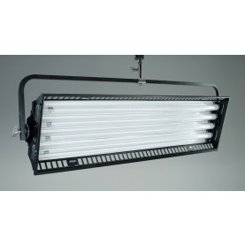 (Photo - Reference only - Includes built-in reflector and removable Silver Louver and Gel Frame)