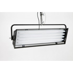 (Photo - Reference only - Includes built-in reflector and removable Gel Frame and Silver Louver)